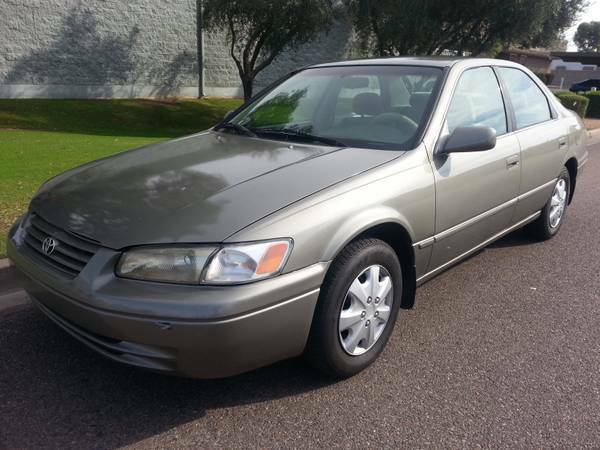 1998 TOYOTA CAMRY - great and reliable daily driver