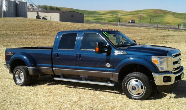 REDUCED PRICE ! 2011 FORD F350 4X4 LARIAT DRW 1 OWNER READY TO TOW ! !