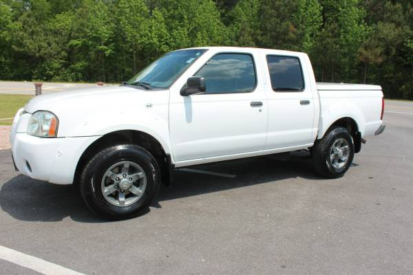 2004 Nissan Frontier XE Crew Cab White 100K Miles Auto Bed Cover Nice!