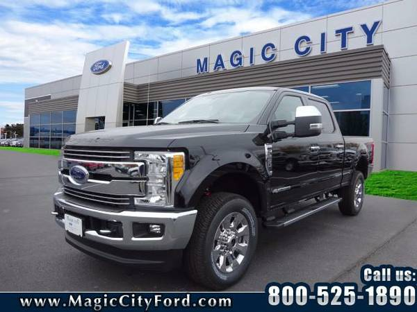 2017 *Ford F-250 Super Duty* Lariat (Black)