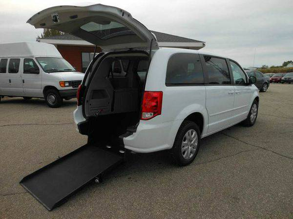 2016 *Dodge* *Grand* *Caravan* SE 4dr Mini Van Handicap wheelchair con