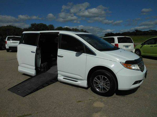 2011 *Honda* *Odyssey* EX-L 4dr Mini Van Handicap wheelchair conversio