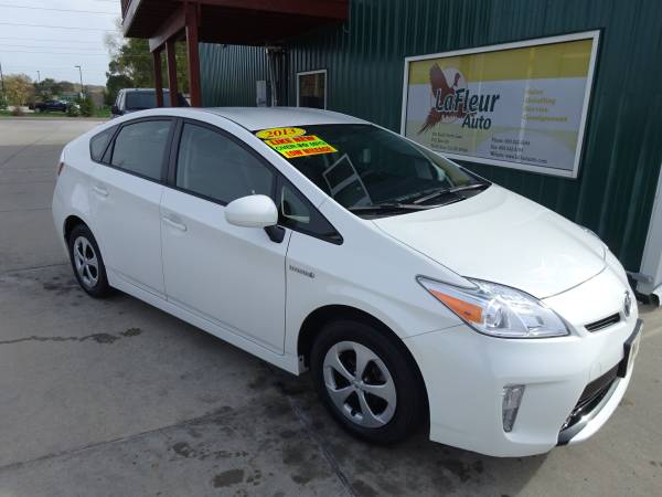2013 TOYOTA PRIUS Hybrid Bumper to Bumper Factory Warranty, Like New!
