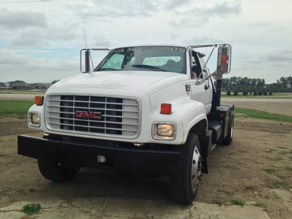 2000 GMC 6500 2-Wheel Drive Extended Cab