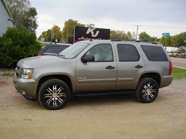 * 2007 CHEVY TAHOE - CLOTH - WHEELS - 110K MILES *