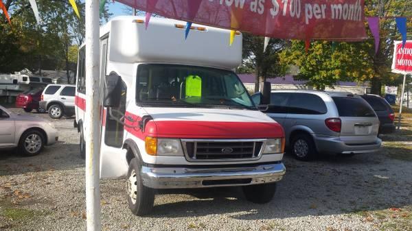 2006 Ford E-450 Passenger Van