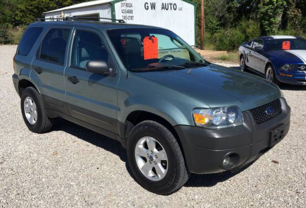 2005 Ford Escape XLT, Sunroof, All New Tires!