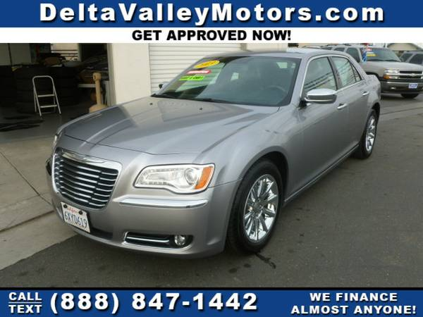 2013 Chrysler 300 300C Sedan 4D Car