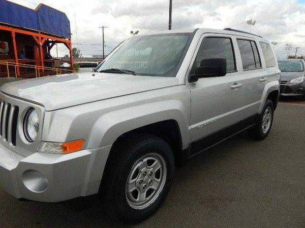 2011 *Jeep* *Patriot* Sport 4x4 4dr SUV EVERYBODY IS APPROVED!!!
