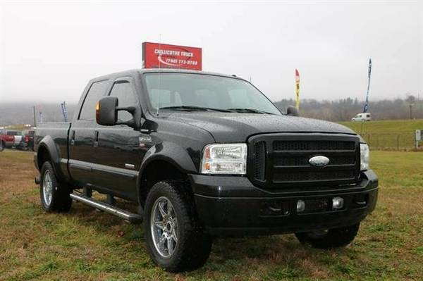 2005 Ford F250 Super Duty Crew Cab Lariat Pickup 4D 6 3/4 ft...