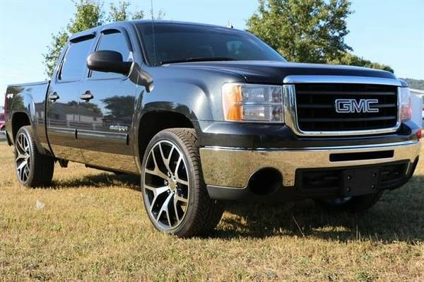 2010 GMC Sierra 1500 Crew Cab SLE Pickup 4D 5 3/4 ft **Chillicothe...