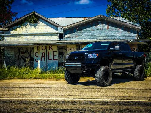 2012 Toyota Tundra LIMITED 4X4 LIFTED