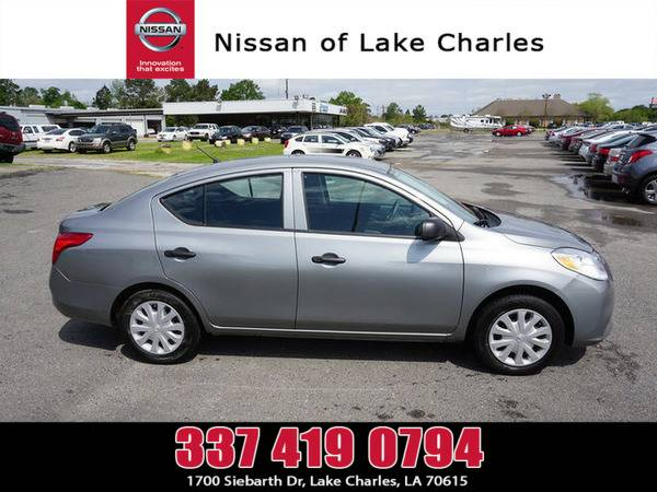 *2014* *Nissan Versa* ** *Magnetic Gray Metallic*