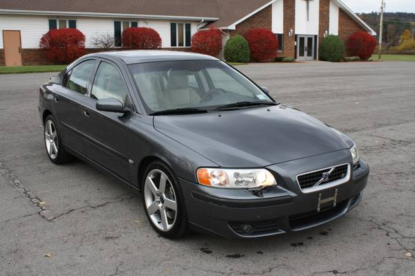 2004 Volvo S60R, 6-Speed, Clean Carfax!