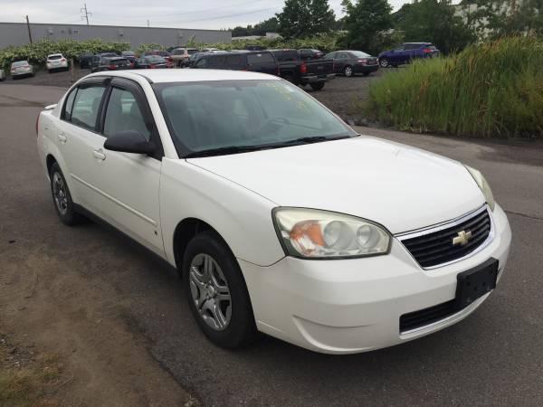 2007 Chevrolet Malibu LS, 4cyl, Clean Carfax!