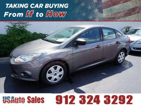 *2014* *Ford Focus S* ** GRAY