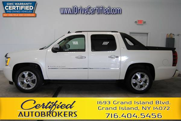 2009 *Chevrolet Avalanche LTZ* Sun Roof *Flex Fuel* We Finance!