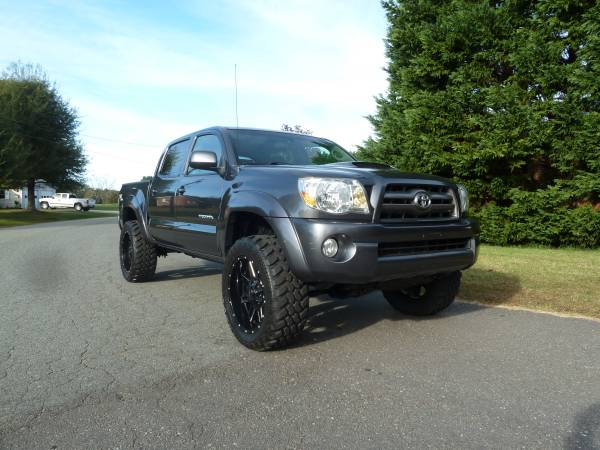 LIFTED 2010 Toyota Tacoma SR5 TRD #4door4x4 #cleancarfax