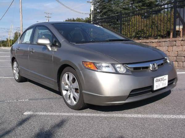 HURRY ON IN** LETS GET YOU A NEW RIDE**2006 Honda Civic EX Sedan