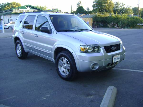 2006 Ford Escape Limited, With 3 Months free warranty
