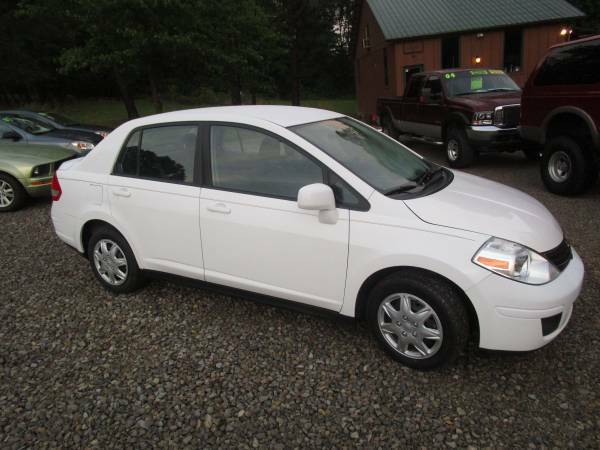 Priced to Sell!! 2011 Nissan Versa 1.8 S - Excellent Condition