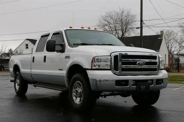 2005 Ford F250 Super Duty Crew Cab Lariat Pickup 4D 8 ft...