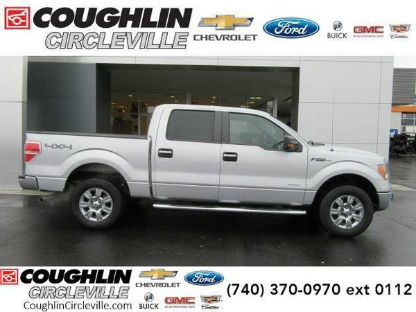 2011 *Ford F-150* 4WD SuperCrew 145 XLT (Ingot Silver Metallic)