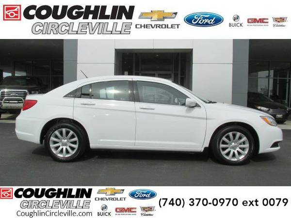 2014 *Chrysler 200* 4dr Sdn Touring (Bright White Clearcoat)
