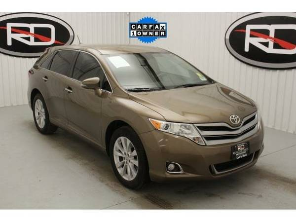 2013 *Toyota Venza* XLE (Sunset Bronze Mica)