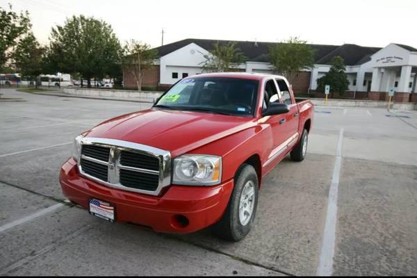 2005 Red Dodge Dakota 4X4