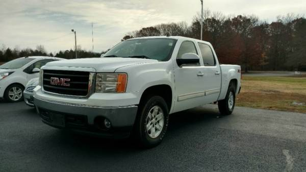 2007 GMC Sierra 1500 4WD Crew Cab 143.5 SLT ** Great Finance Options**