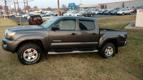 2010 Toyota Tacoma 2WD Double V6 AT PreRunner (Natl) ** Great Finance