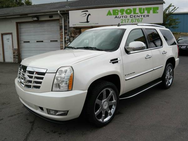 2008 *Cadillac* Escalade* 4WD - Leather - Backup Camera - Navigation -