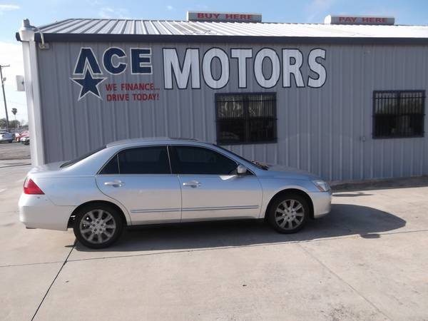 ** 2006 HONDA ACCORD ** 6 CYLINDER ** COLD AIR CONDITIONING * STOP BY