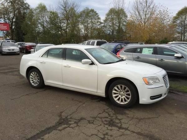 2014 *Chrysler* *300* *4dr Sdn RWD* 4dr Car