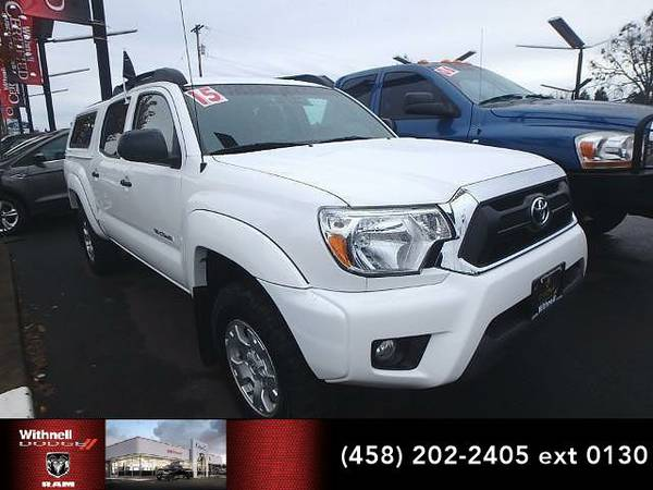 2015 *Toyota Tacoma* 4WD Double Cab V6 AT (WHITE)