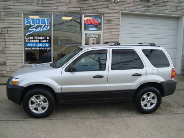 2005 Ford Escape XLT 4x4 *BRAND NEW TIRES-READY FOR WINTER*