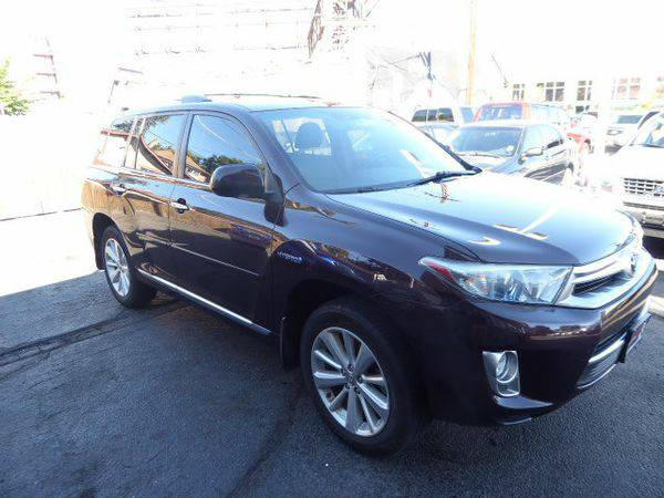 2011 *Toyota* *Highlander* *Hybrid* - Call or TEXT! Financing Availabl