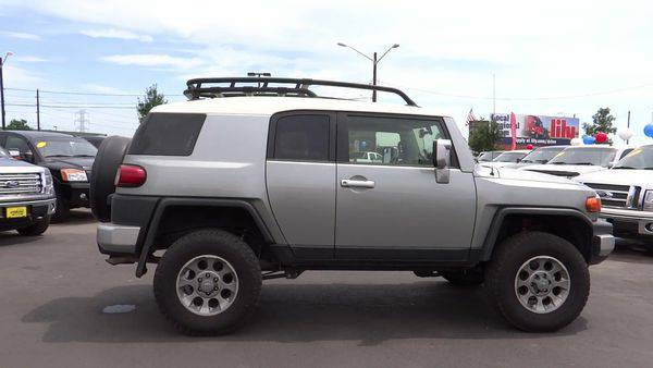 2012 *Toyota* *FJ* *Cruiser* subwoofer & gauges LIFT *Call 303-647-421