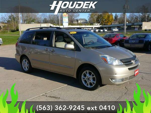 2004 *Toyota Sienna* XLE - GOOD OR BAD CREDIT!