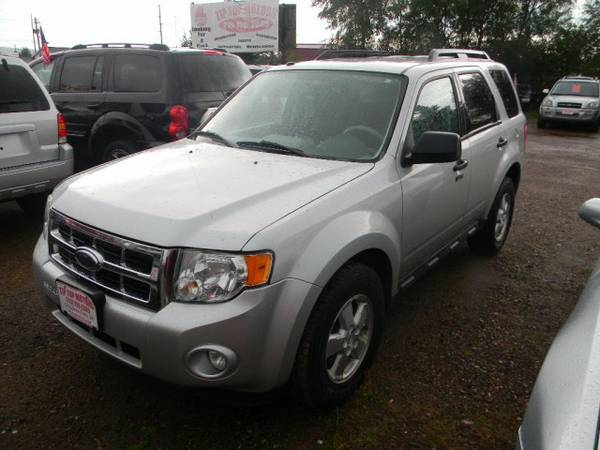 2009 Ford Escape FWD 4dr V6 Auto XLT with Chrome shifter bezel...