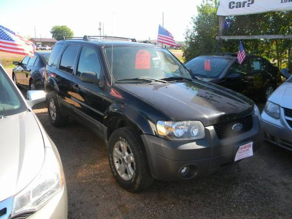 2006 Ford Escape 4dr 3.0L XLT 4WD with Solar-tinted glass on doors &...