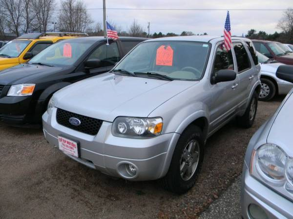2005 Ford Escape 4dr 103 WB 3.0L Limited 4WD with Round front fog...
