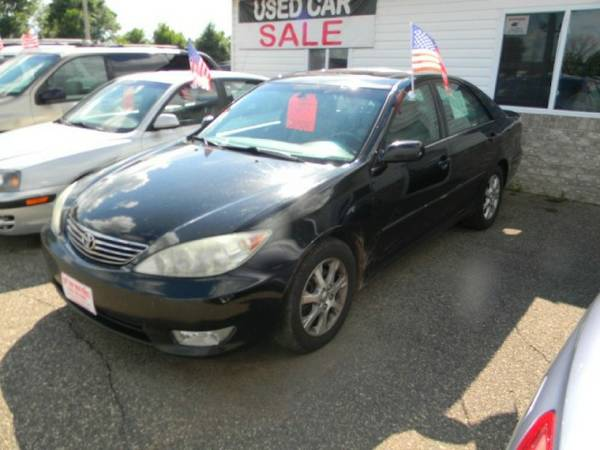 2006 Toyota Camry 4dr Sdn LE V6 Auto (Natl) with 4-beam...