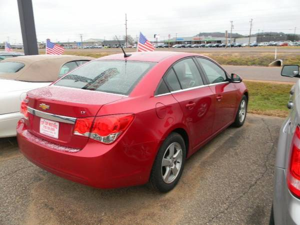 2013 Chevrolet Cruze 4dr Sdn Auto 1LT with Trunk emergency release...