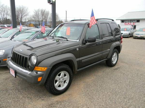 2006 Jeep Liberty 4dr Sport 4WD with Map/reading lamp