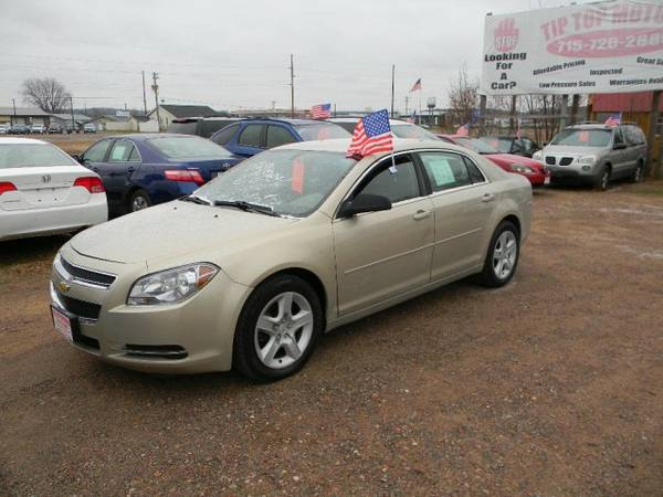 2009 Chevrolet Malibu 4dr Sdn LS w/1FL with Moldings, body-color...
