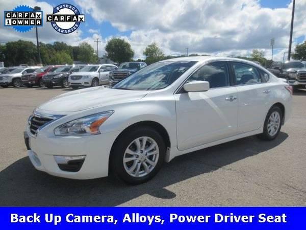2014 *Nissan Altima* 2.5 S (Pearl White)