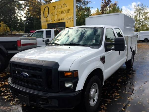 2008 Ford F350 Super Duty Crew Cab 6.4L DIESEL Service Truck ENCLOSED!