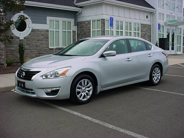 2014 NISSAN ALTIMA S SPORT SEDAN! ONLY 31K MILES!